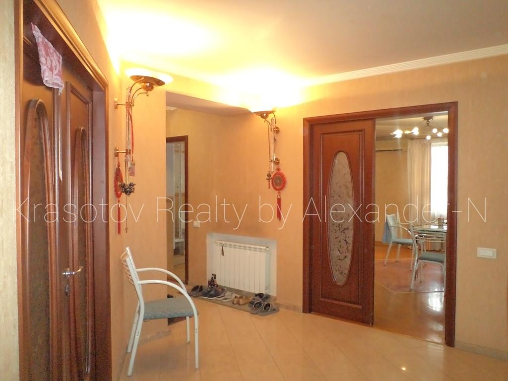 продажа многокомнатной квартиры номер A-160634 в Малиновском районе, фото номер 11